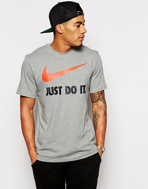 Nike Man T Shirt In Grey And Slogan